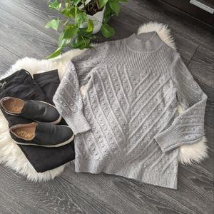 CALVIN KLEIN - NWT Chevron Stripe Knit Sweater